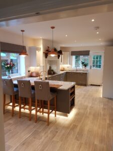 Kitchen with Breakfast Bar and Marble Worktops